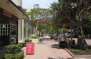 Hastings_Street,_Noosa_Heads_QLD_Nov_2013